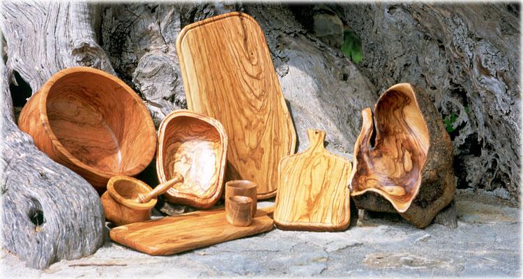utensilios de la cocina hechos con madera de olivo